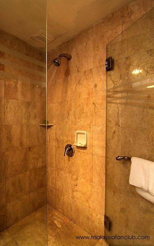 merdeka-palace-hote-suites07