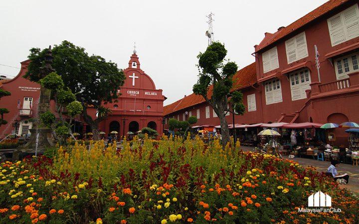 """โบสถ์แดง แห่งมะละกา """"Christ Church Melaka"""" สร้างโดยชาวดัตช์"""