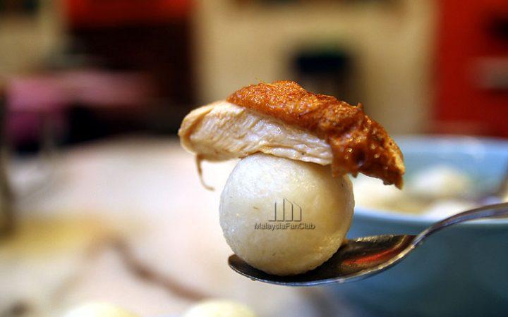 Famosa Chicken Rice Balls ข้าวมันไก่ลูกบอล อร่อยจริงหรือ???